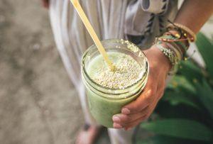4 deliciosos smoothies que te ayudarán a MANTENER tu sistema inmune