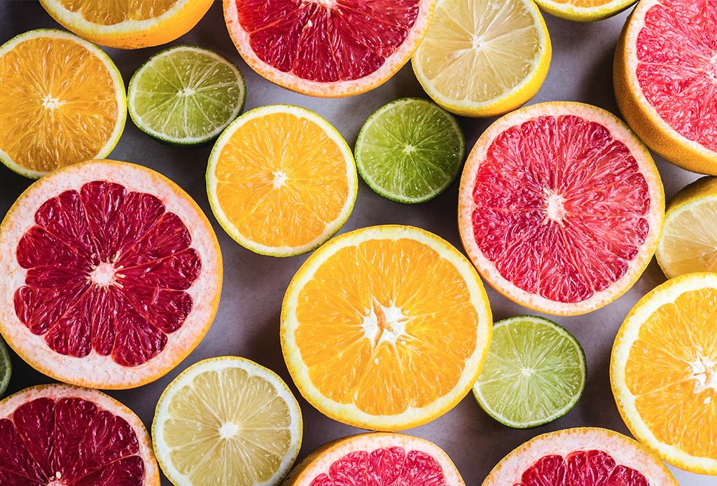 ¿La vitamina C realmente nos hace inmunes a un virus?