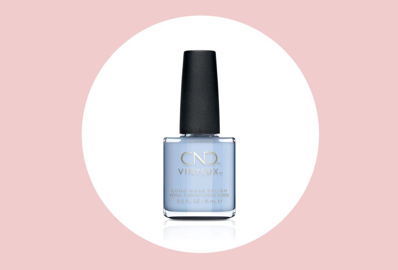 5 colores para tu DIY manicure durante esta primavera-verano 2020 - esmalte-vinylux-cnd-azul-celeste