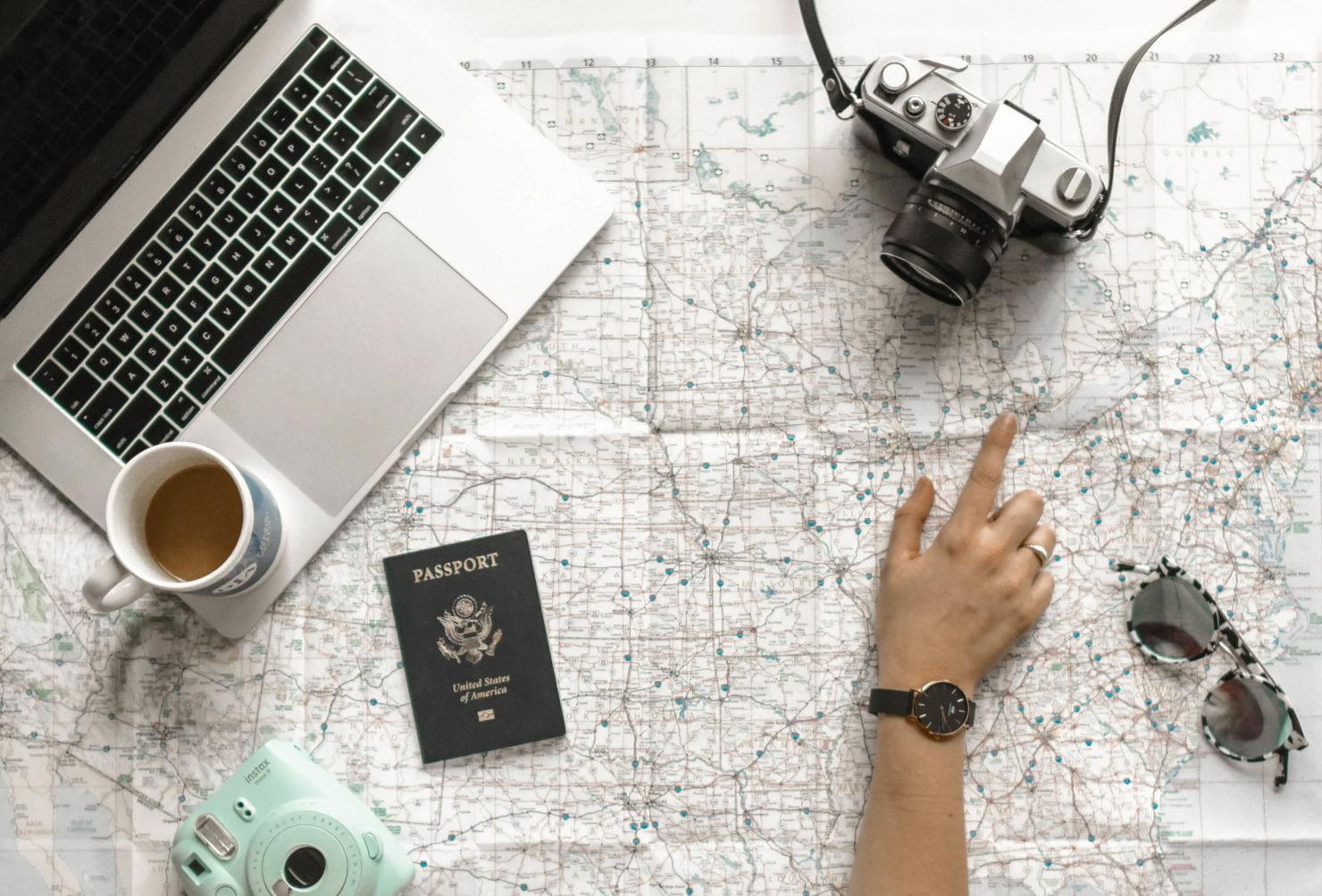 Viajar sin salir de casa es posible gracias a Airbnb y sus experiencias en línea