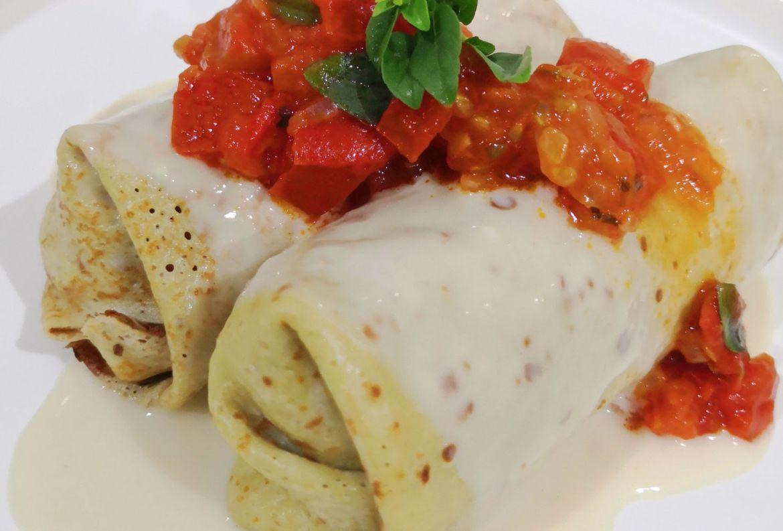 3 deliciosas recetas para disfrutar como en Presidente Intercontinental Cozumel - crepas-rellenas-de-pollo-con-champincc83ones