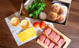 Estos Kits de Shake Shack son lo que NECESITAS para celebrar el día de la hamburguesa