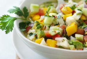 Tenemos la receta para preparar un delicioso ceviche de pescado ¡con mango!