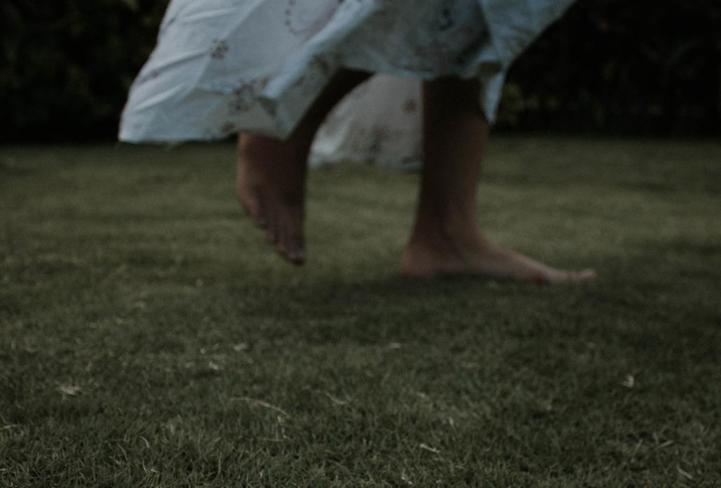 ¿Te sientes en un limbo? 4 cosas que puedes hacer AHORA para sentirte mejor - grounding-2