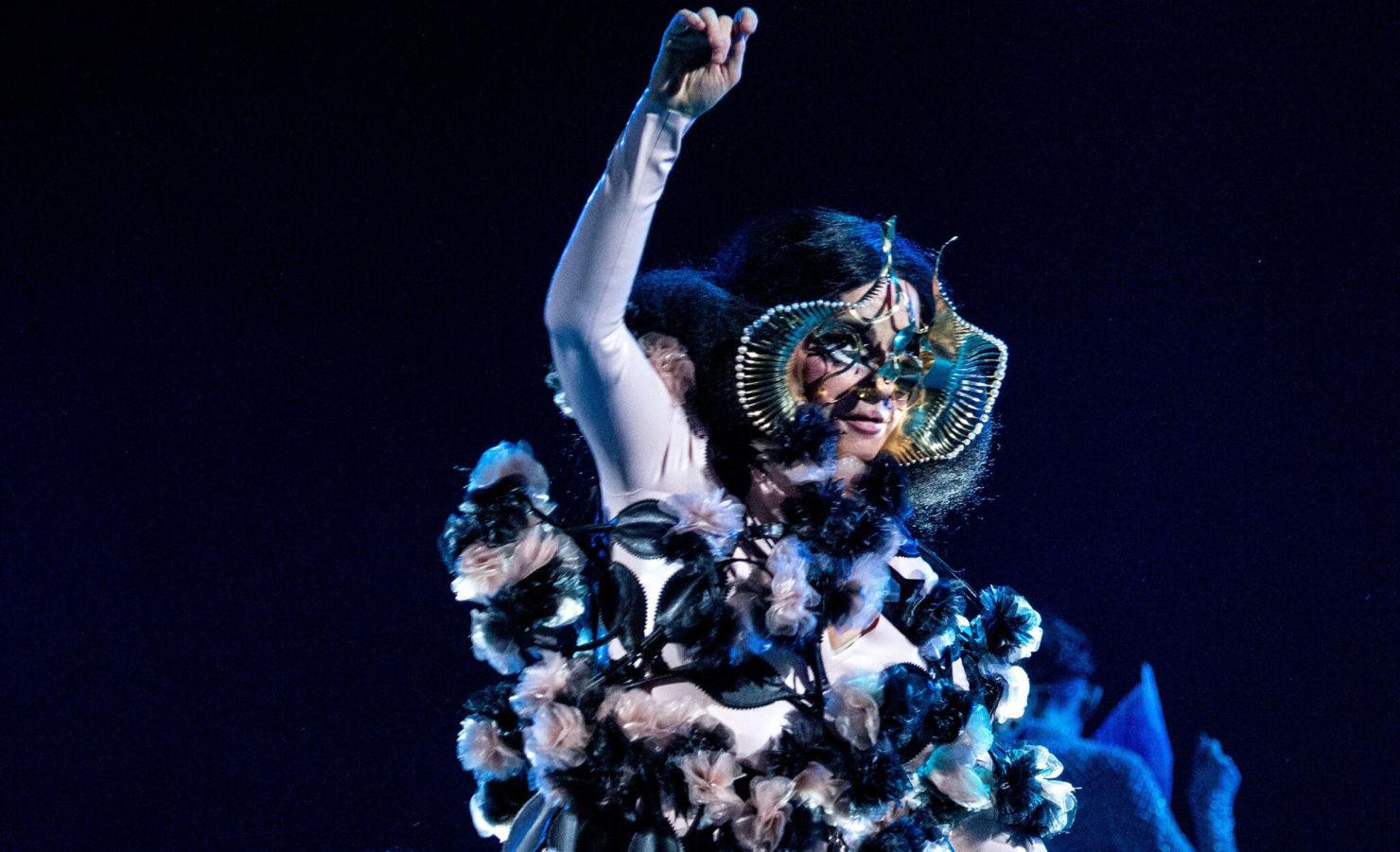 Así podrás vivir la experiencia Björk Orkestral en vivo desde tu hogar