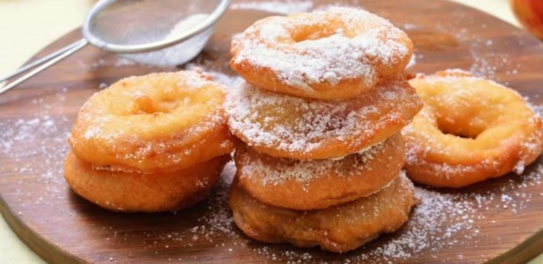 Manzanas fritas ¿El postre favorito de los italianos?