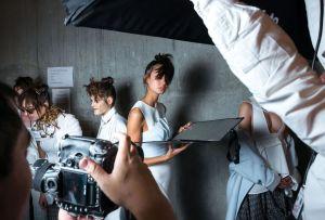 5 series y documentales de moda que no te puedes perder en Netflix