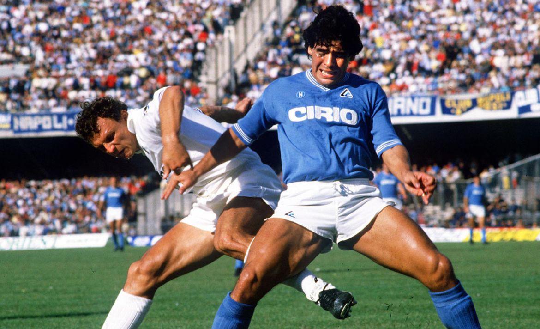 Momentos en que el deporte luchó contra el racismo - maradona-napoli