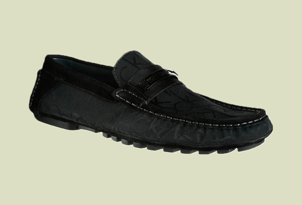Los 7 zapatos más versátiles que todo hombre debe tener - mocasines-calvin-klein-liverpool