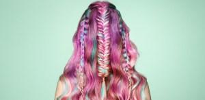 ¿Cómo llevar colores fantasía vibrantes en el pelo?