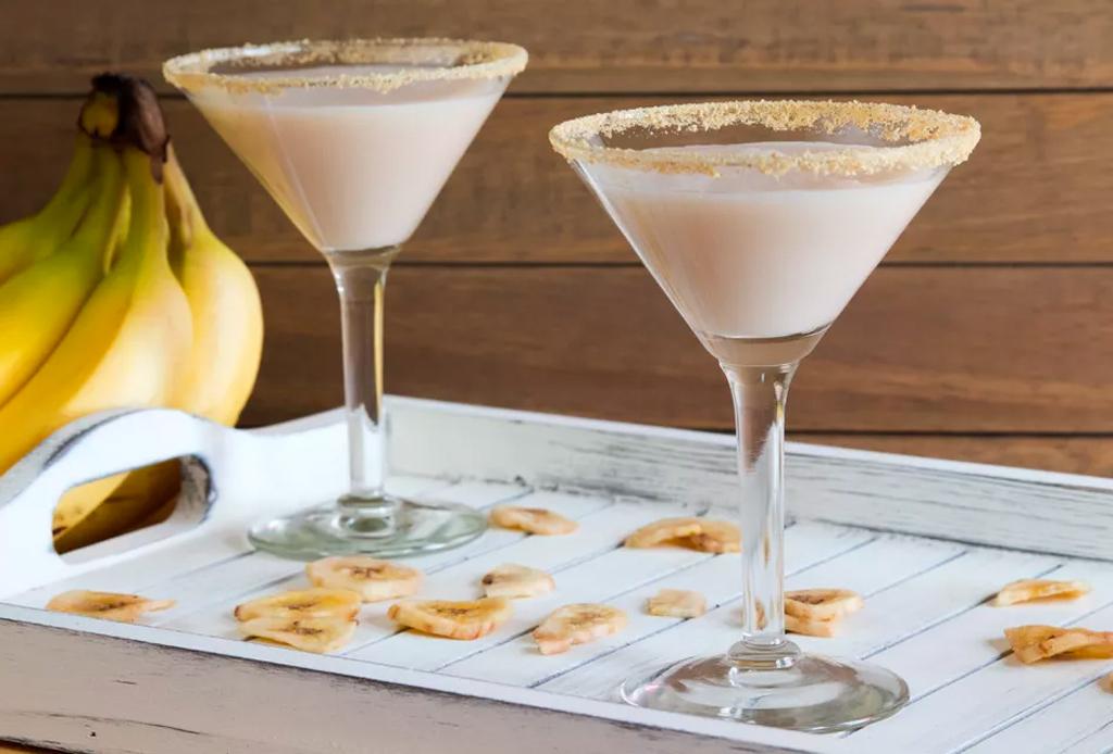 5 recetas de cocteles muy fáciles para disfrutar el verano 2020 - rumchata-banana-cream-pie-coctel