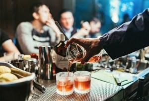 6 recetas fáciles para hacer cócteles frescos y originales para dar el grito