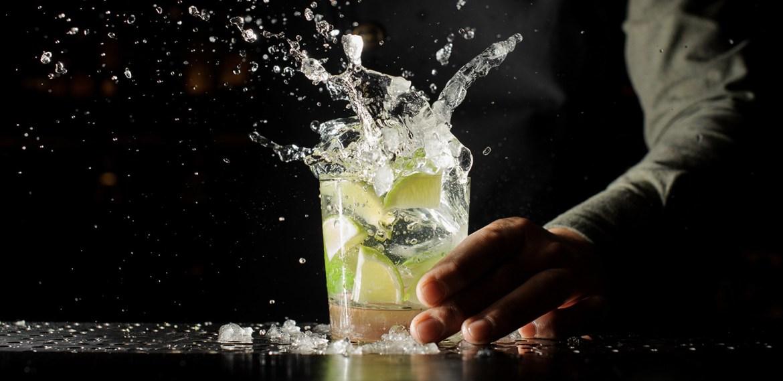 5 cócteles con tequila que puedes preparar en 15 minutos - receta-cocteles-tequila-3