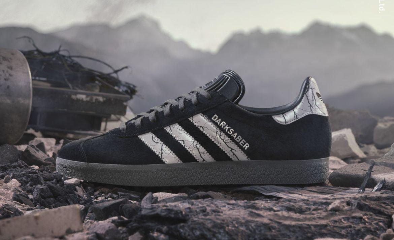 Estos sneakers de Baby Yoda de adidas X The Mandalorian, te encantarán - adidas-darksaber-mandalorian