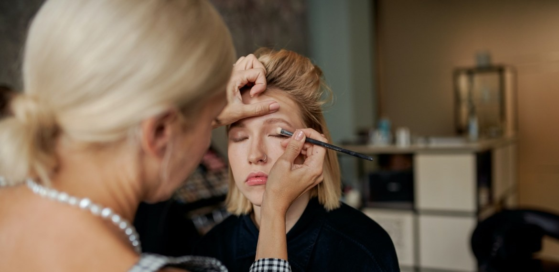 Ideas de maquillaje para Navidad que puedes intentar este 2020 - diseno-sin-titulo-70-5