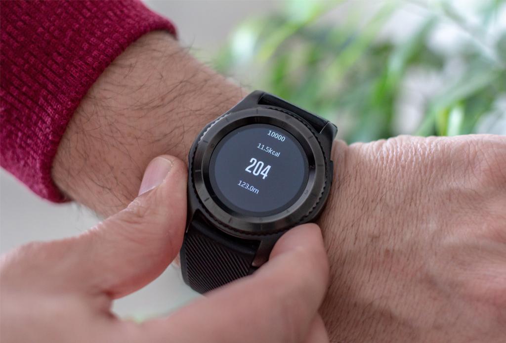 ¿Estás buscando un regalo realmente único? AMEX tiene ese complemento especial - smartwatch-amex-guard