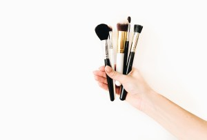Las mejores marcas de brochas para maquillaje veganas