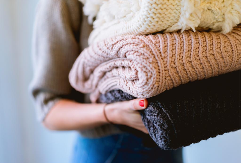 ¿Cómo preservar tus prendas en buen estado? Aquí te decimos - cuidado-de-ropa-lavadora