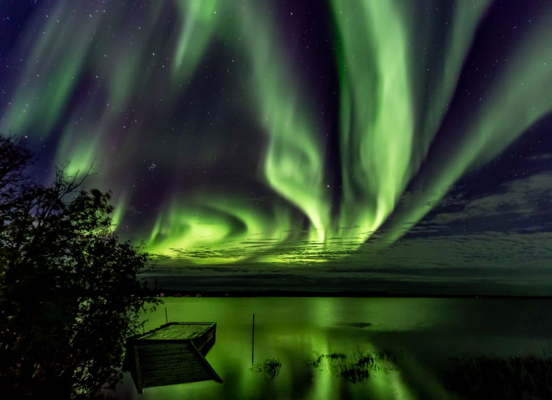 Conoce el mejor lugar para ver auroras boreales en Canadá - val-pond