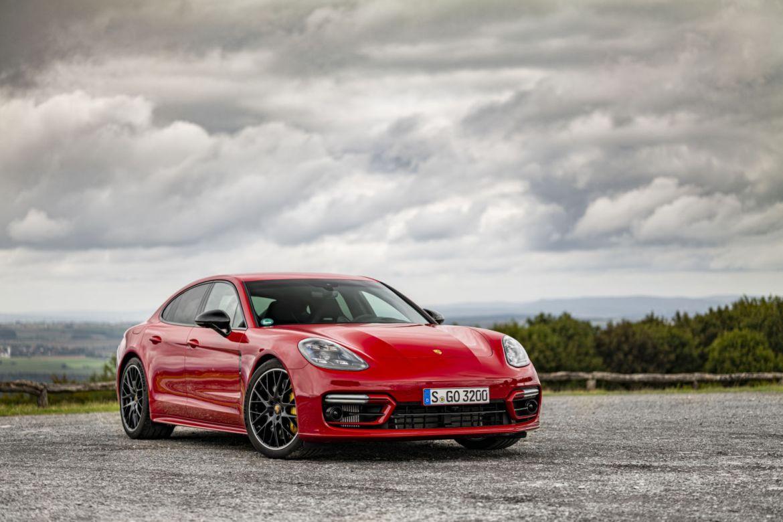 Conoce el futuro del automovilismo con el nuevo Porsche Panamera - img-4