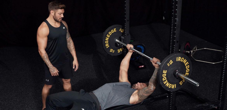 Rutina de Chris Hemsworth  para unos brazos de acero - sabrina-2021-08-11t031456621