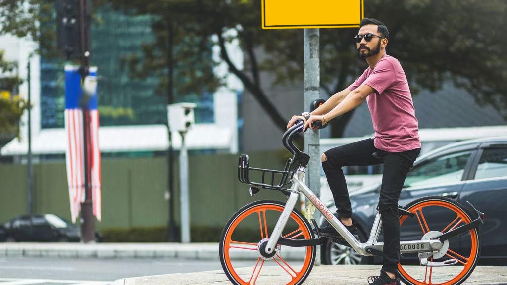 Tips de seguridad que debes tomar en cuenta si manejas una bici - mobike-bicicletas-naranja-cdmx-edited