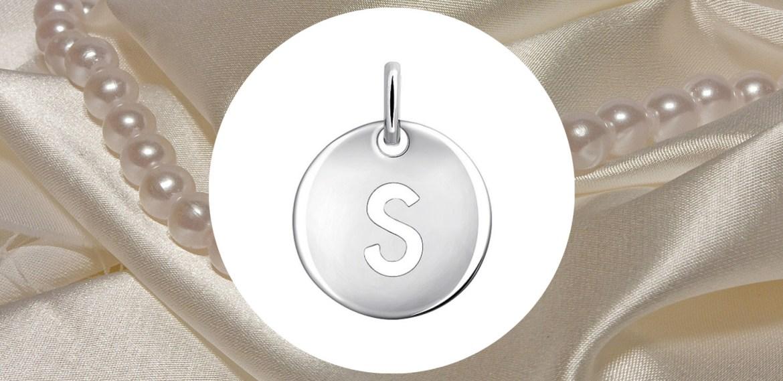 Marcas de charms que tienes que conocer ¡Complementa tus accesorios! - sabrina-8-1