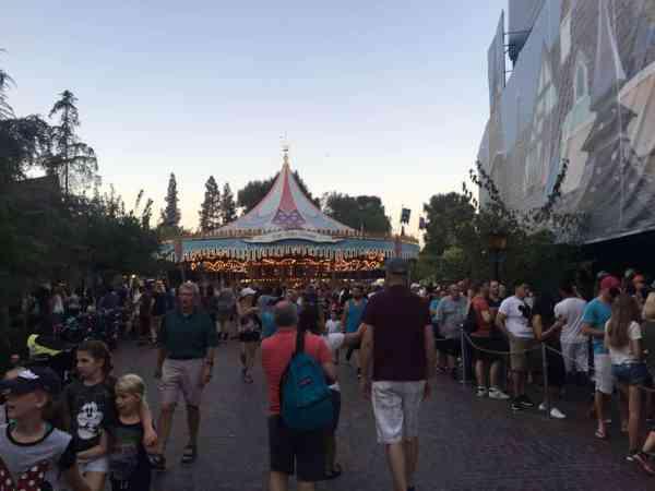 Lost kids in Disneyland. Tips for a better visit.