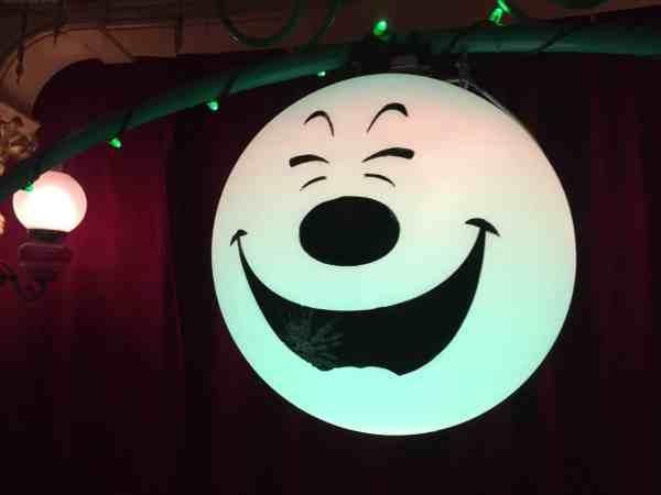 Mickey lights Halloween
