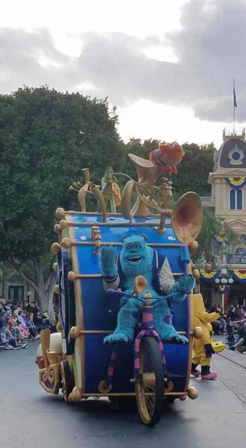 More Pixar pals at Pixar Play Parade Disneyland
