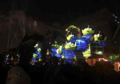 How to see Paint the Night, Disneyland fireworks and Fantasmic in ONE night!