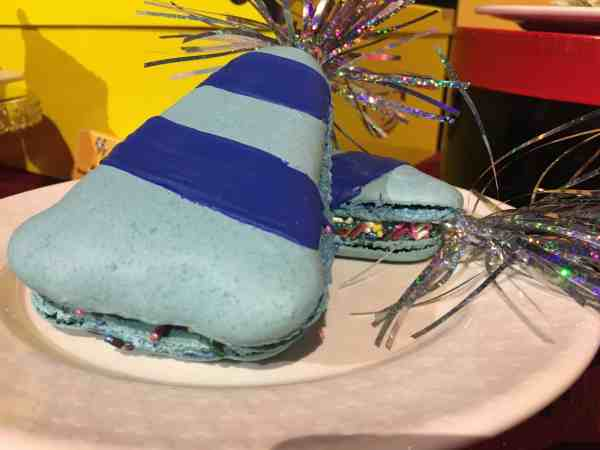 Party Hat macaron
