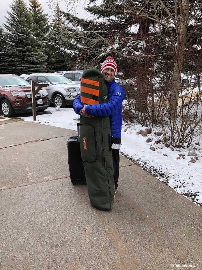 flying-snowboard-gear-bag