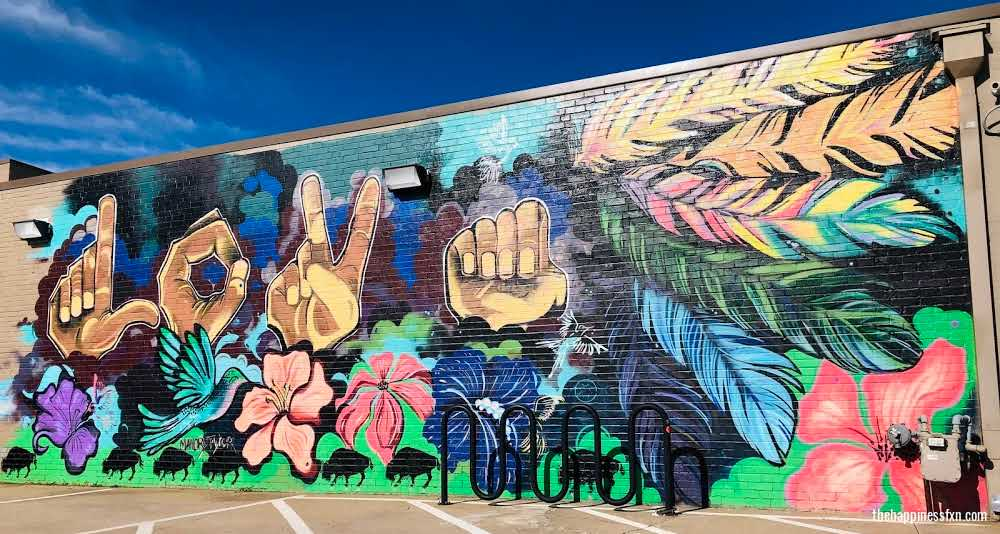 spend-48-hours-in-tulsa-visit-downtown-mural