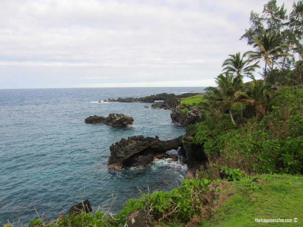 fun-outdoor-things-to-do-in-maui-black-sand-beach-maui