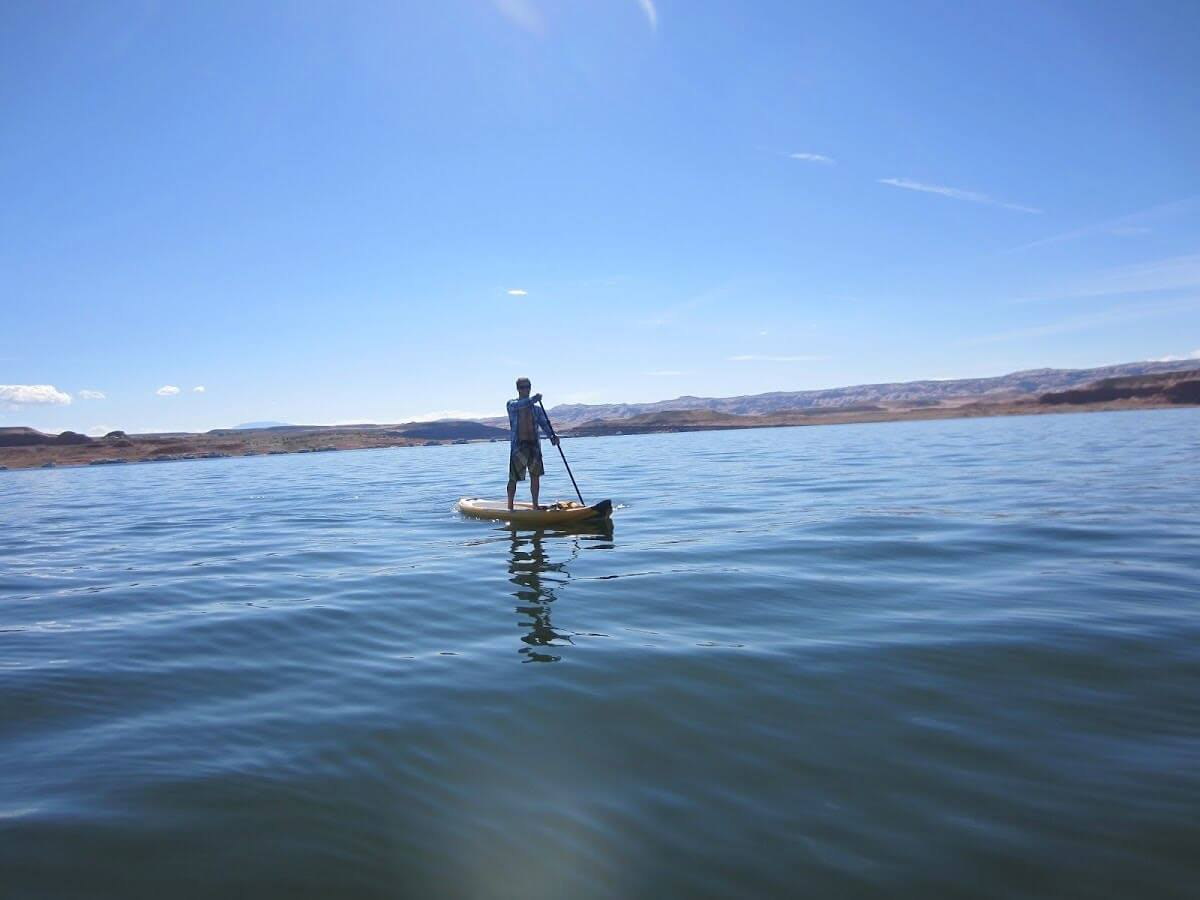 stand-up-paddleboarding-at-lake-powell