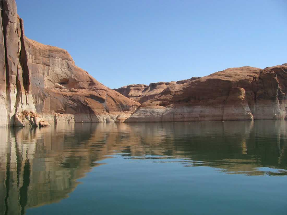 lake-powell-red-rock-canyons