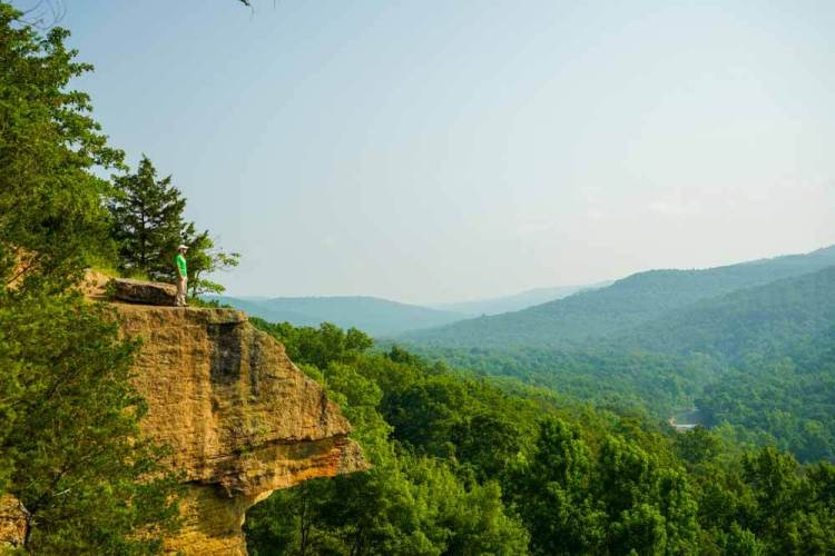 yellow-rock-hiking-trail-arkansas