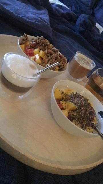 Ontbijt op bed... geen illusies, ik ben degene die het ontbijt op bed moet regelen...