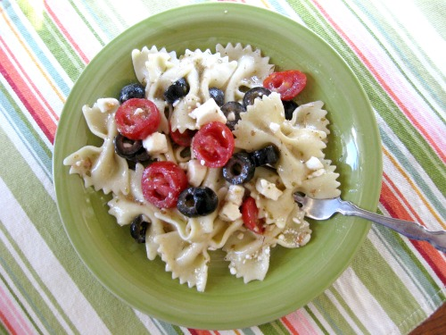 Easy Greek Pasta Salad at The Happy Housewife