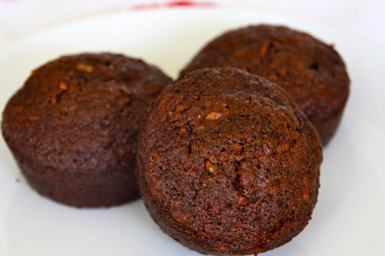 mocha banana muffins that substitute applesauce for oil