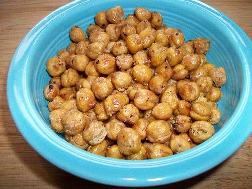Crunchy Roasted Chickpeas at The Happy Housewife