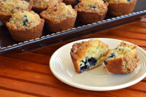 Blueberry Streusel Muffins | The Happy Housewife