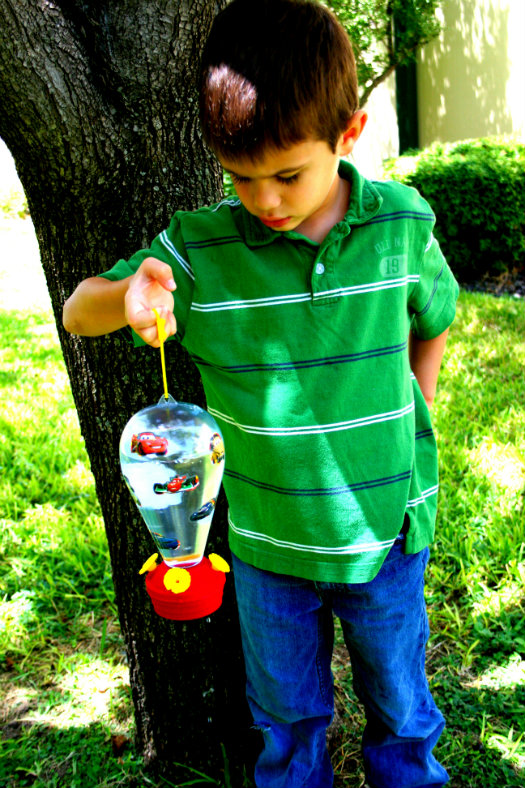 Hummingbird Feeder Kids Craft - The Happy Housewife™ :: Home Management