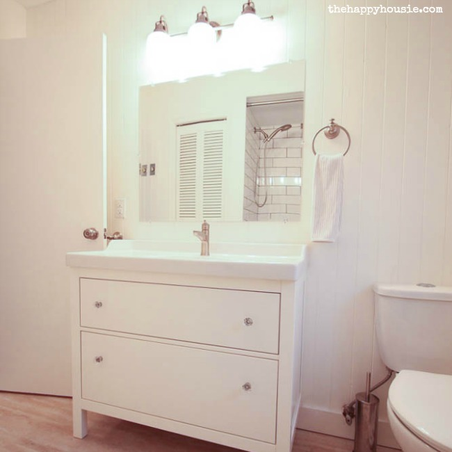 Thrifty Bathroom Makeover With An Ikea Hemnes Vanity The Happy Housie