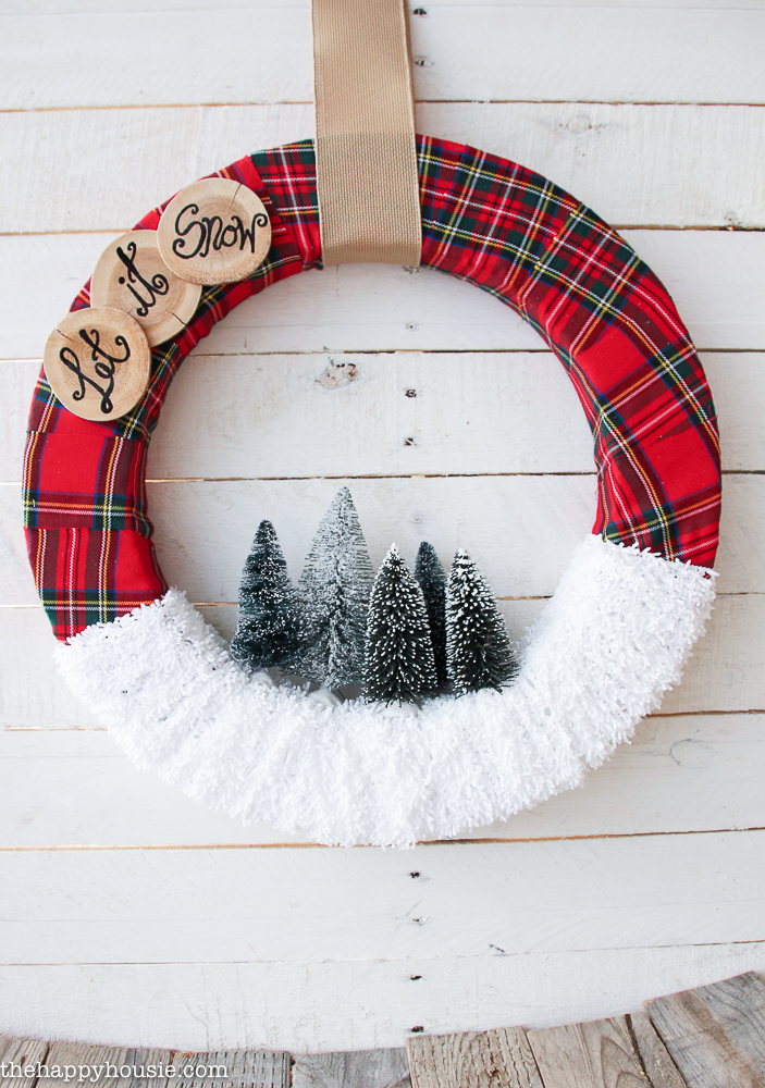 """Let it Snow"" DIY Winter Wreath Tutorial | The Happy Housie"