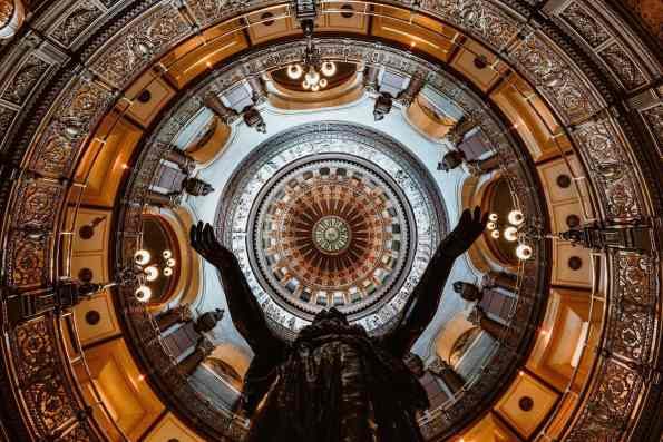 Old_State_Capitol_Springfield-2