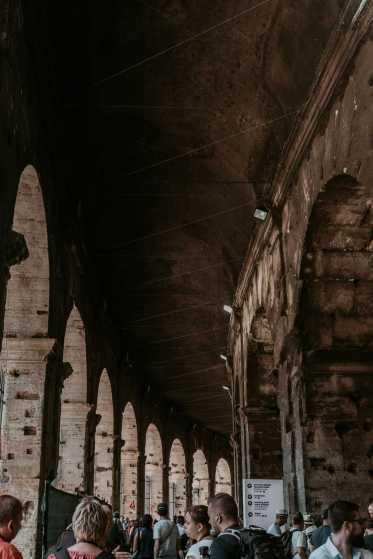 Rom Sehenswürdigkeiten Kolosseum Säulengang Eingang