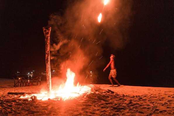 Feuershow am Long Beach auf Perhentian Kecil