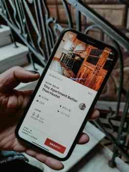 Tiflis Sehenswürdikeiten Hauseingang g tabidze street airbnb gutschein